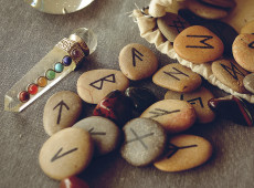 5 Easy Ways to Use Runes in Everyday Life
