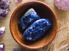 How Sodalite Increases Harmony in Relationships