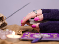 How to Use Tarot to Open Yourself to Love Again
