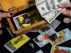 Money Matters: Using the Tarot to Draw Wealth to You