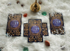 Holiday Tarot: New Moon in Capricorn 4-Card Tarot Spread