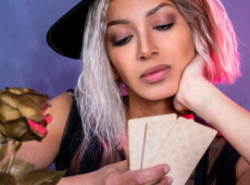 This is Why Your Tarot Reading Made No Sense