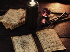 Understanding Tarot Card Meanings for Life's Big Questions